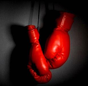 Main-Boxing-Gloves-Hang